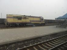 海安県駅に止まっている機関車