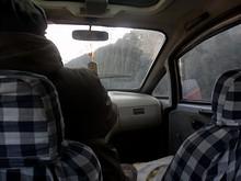 3輪タクシーで例の大学へ