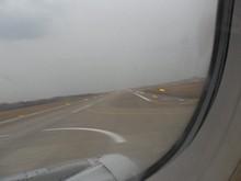 南京空港・滑走路06に着陸