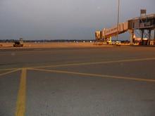 だんだん日が落ちていく空港