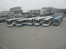 臨港新城のバスターミナル