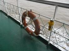 灯火付き浮き輪