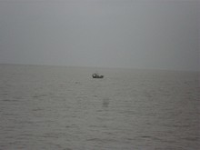 漁船が浮かんでいる