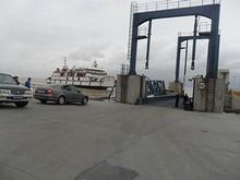 別のカーフェリーが入港