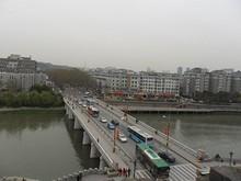 中華門から南へ伸びるバス通り