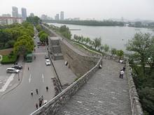 城壁と入口、玄武湖公園