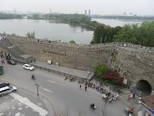 城壁と入口