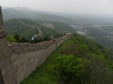 西へ続く長城