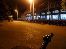 夜の学内スーパー