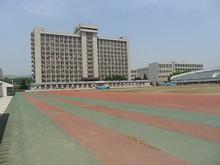 第一グラウンドと総合実験楼