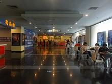 券売り場の前のホール