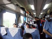 K782次列車の硬座車内