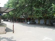 南京西駅前