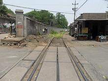 西駅北側の線路