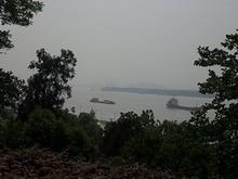 御碑亭から見た長江