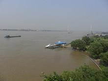 長江第二大橋と燕子磯桟橋