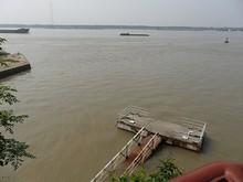 長江と古い桟橋