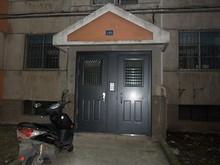 寮入口ドアの自動ロックが使えるようになった。