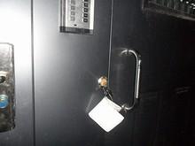 寮入口ドアの自動ロック