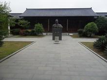 史料館と鄭和の像