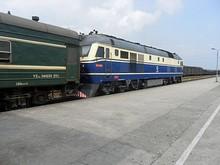 7101次列車の東風11号機関車