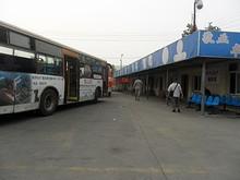 六合北バスターミナルと中六線バス