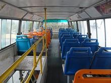二階建てバスの二階部分
