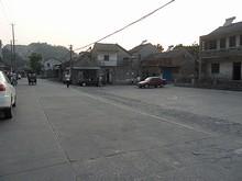 龍譚バス停とバス転回場