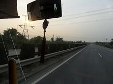 秣陵(もーりん)付近の送電線