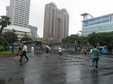 無錫駅前のバス停