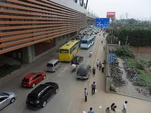 地下鉄馬群駅から見た寧杭公路