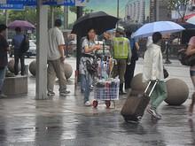 傘売りの露店