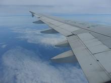 東シナ海上の位置通報点LAMEN上空を飛ぶ