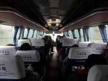 南寧行き高速バス車内