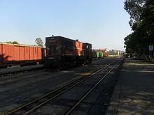 単行機関車が通過