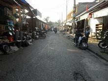 市場周辺の通り