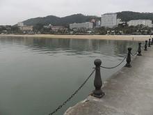 桟橋から見たビーチ