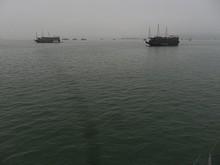 昼に出航していくボートもあるみたいだ