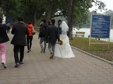 ホアンキエム湖畔での結婚式