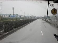 幹線道路を90km/hで飛ばしてハノイへ