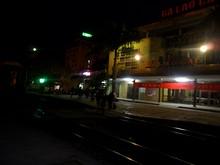 早朝のラオカイ駅