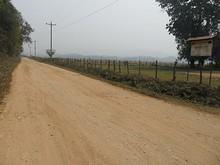 バンパサック小学校前の道