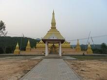 タート・ルアンナムターの仏塔