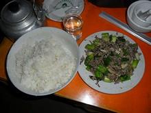 夕飯の大葱炒肉