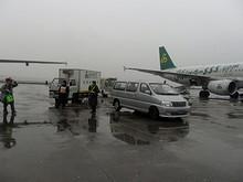 機内食補給車も春秋