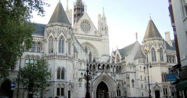 Plik_Royal courts of justice.jpg
