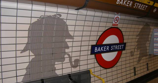 ... Street, we caught the Bakerloo line to Charing Cross at Baker St