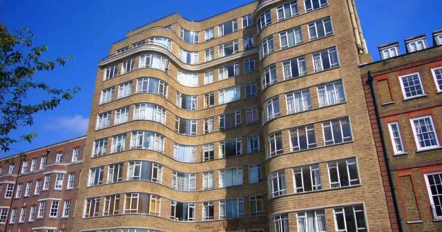 Description Whitehaven Mansions.jpg